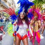 Danseuses costumées pour le carnaval